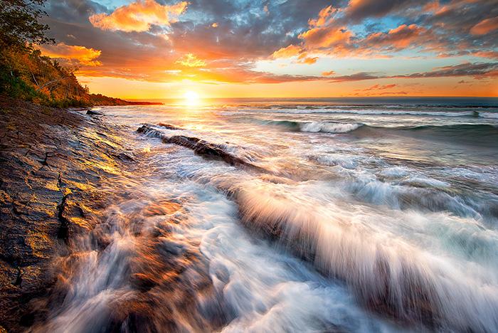 Keweenaw-Sunset-Breakers